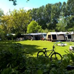 Veld e mini camping t vressels bos