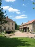 Sur Yonne hoofdgebouw